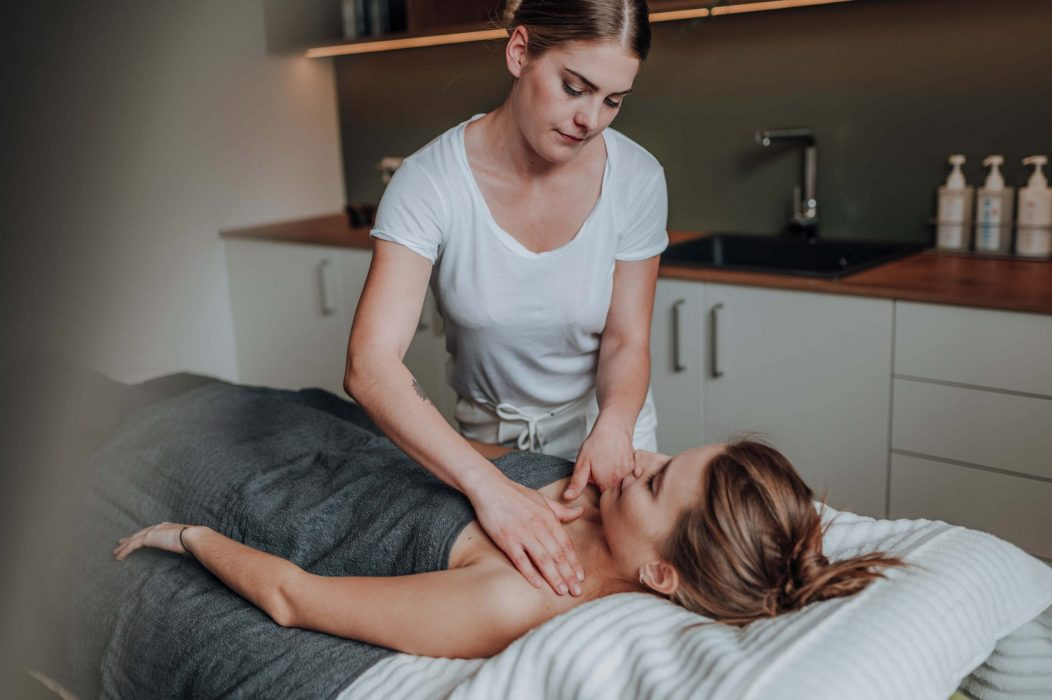 flow Massageinstitut Behandlung