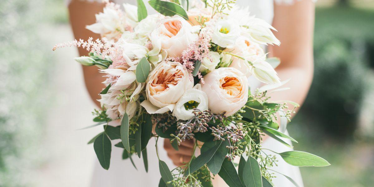 Individuell heiraten mit der Jungen Hochzeiterei